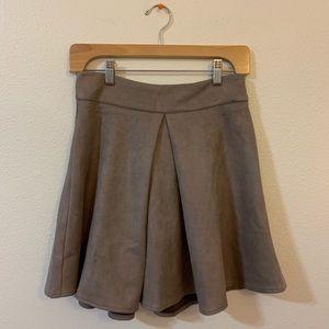 NWT week faux suede skirt